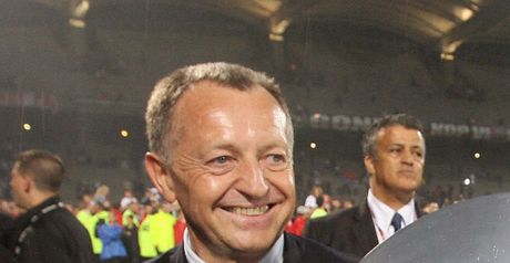 Aulas: Keen to keep star