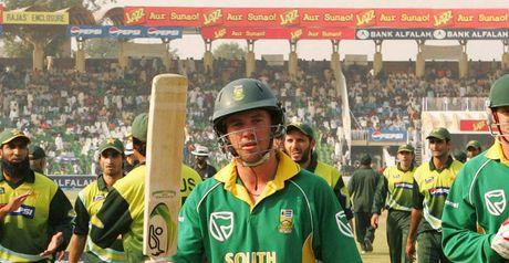 De Villiers: 103 from 95 balls