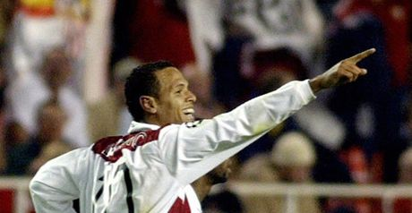 Luis Fabiano celebrates putting Sevilla ahead against Arsenal