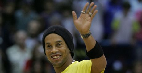 Ronaldinho: Move completed