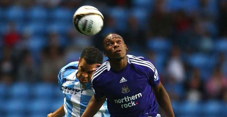 Marcus Hall challenges Charles N'Zogbia