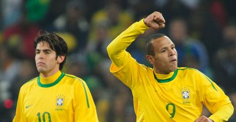 Luis Fabiano and Kaka after the opener