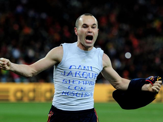 Andres Iniesta's T-shirt tribute to Jarque.