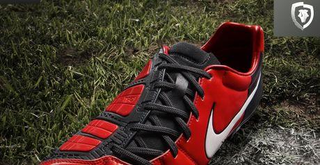 The Nike Total90 Elite boot