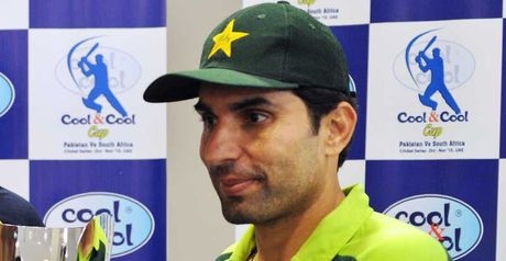 Misbah-ul-Haq is to captain Pakistan in Zimbabwe