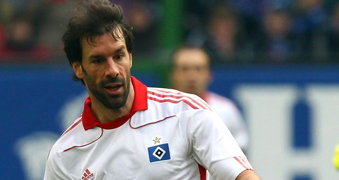 Van Nistelrooy: Will complete deal to join La Liga side next season