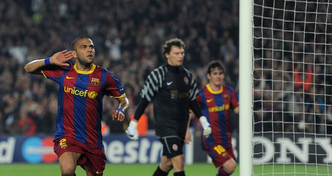 Alves: Has no desire to leave Camp Nou any time soon