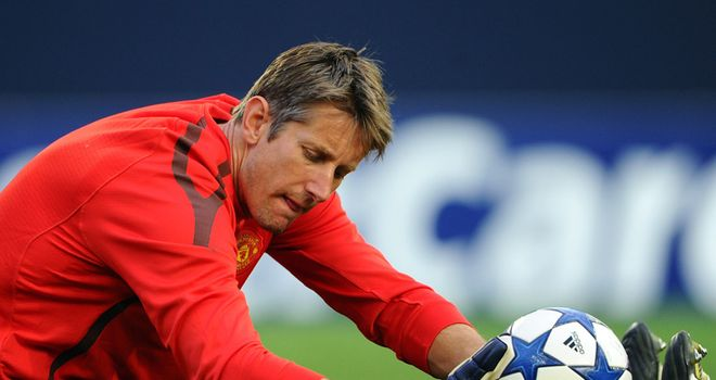 Van der Sar: Still set to retire