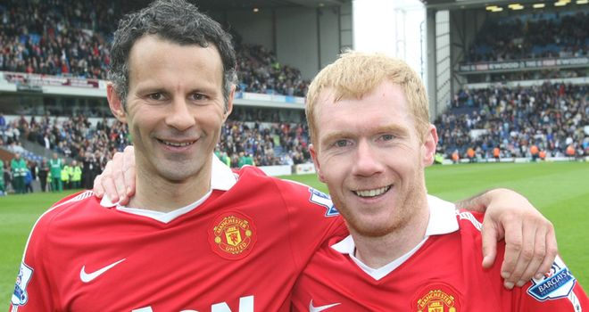 Giggs and Scholes: Described by Iniesta as a 'shining examples for any player'