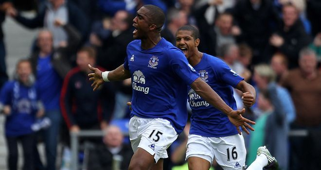 Sylvain Distin: Everton defender shows his versatility for the sake of the team