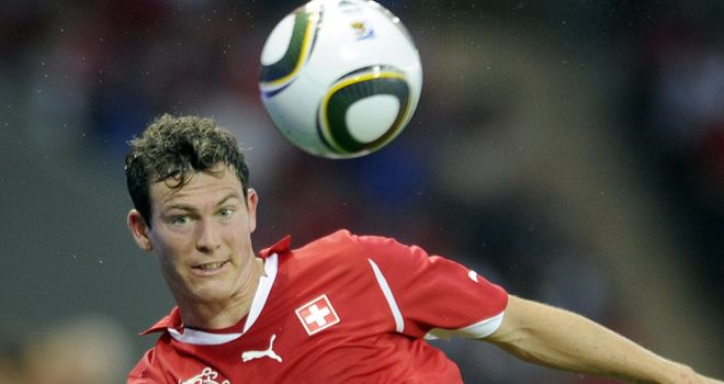 Lichtsteiner: Switzerland defender looks set to join Juve from Lazio