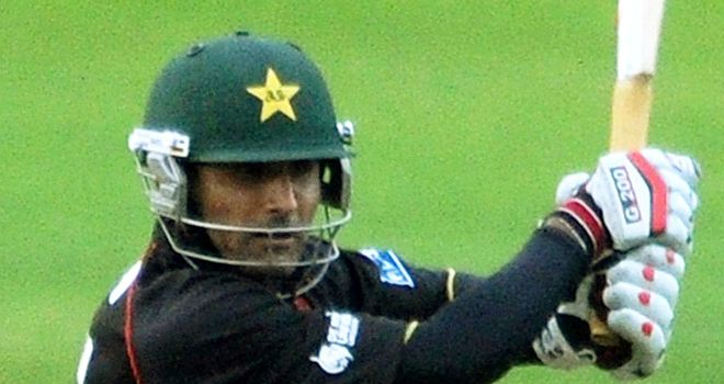 Razzaq scored 20 before taking 2-16