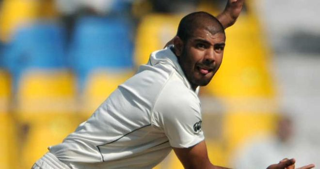 Jeetan Patel: signed up for another spell with Warwickshire in 2012