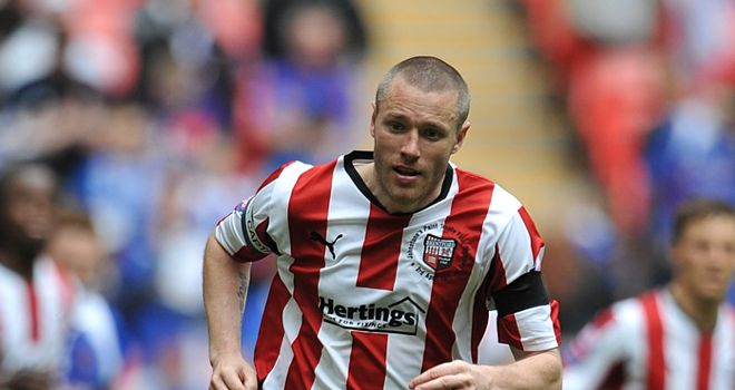 Gary Alexander: Discussing a new contract at Brentford and is waiting for the club to respond