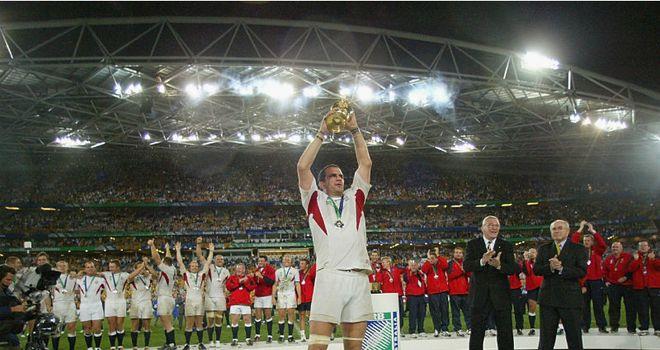 Martin Johnson lifts the Webb Ellis trophy in 2003