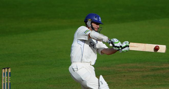 Jim Troughton: Aiming high in 2012 as Warwickshire prepare for season-opener