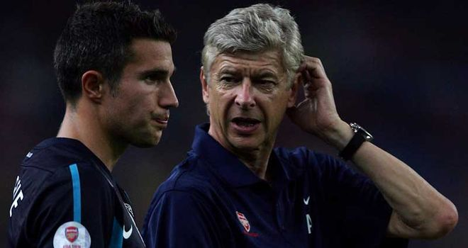 Van Persie (L) has signalled his intention to leave Wenger's outfit