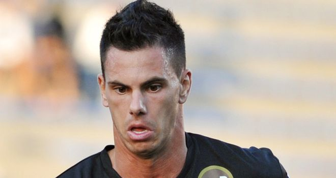 Jeremie Aliadiere: Lorient won't sell striker following reports of a bid by Newcastle