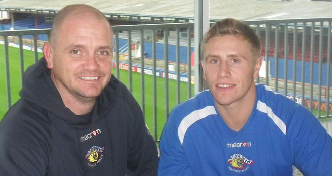 Kyle Wood: Signs contract with Wakefield and looking for first team action