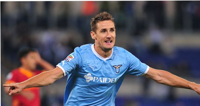 Miroslav Klose: Grabbed a dramatic stoppage-time winner for Lazio against Roma