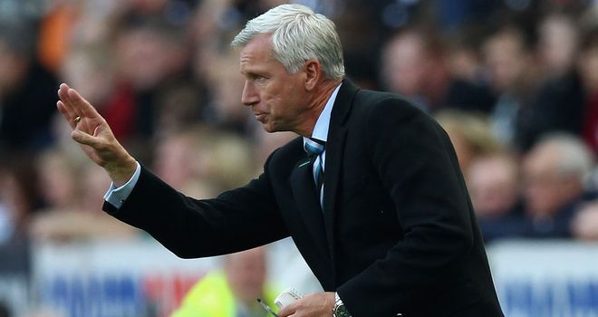 Alan Pardew: Is not willing to part with Lovenkrands in January