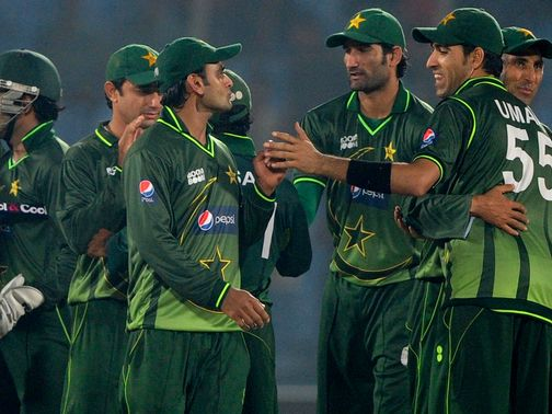 Pakistan celebrate their victory over Bangladesh