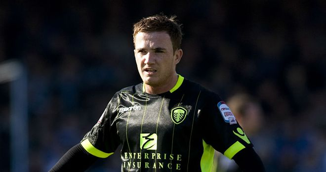 Ross McCormack: Wolves boss McCarthy not interested in signing Leeds striker