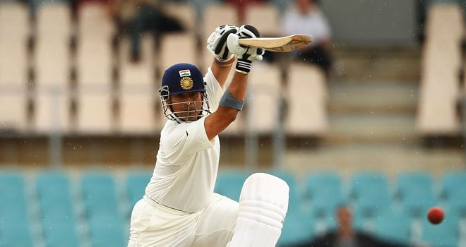 Sachin Tendulkar: preparing for a barrage of outswingers from James Pattinson at the MCG