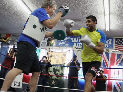 Khan: Looking for new coach after splitting from Roach