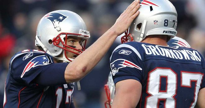 Tom Brady Will Miss Top Target Rob Gronkowski