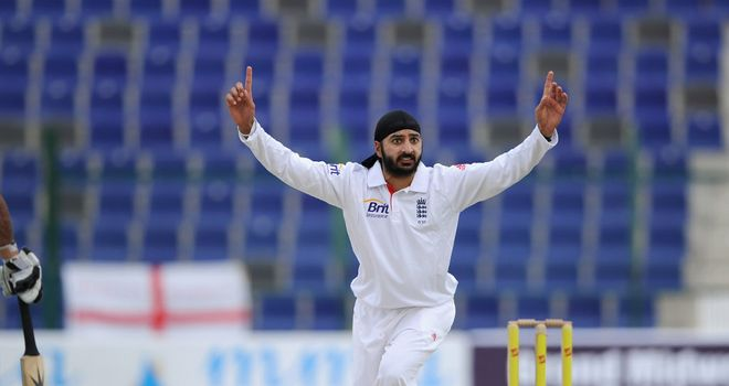 Monty Panesar replaced the injured Chris Tremlett.