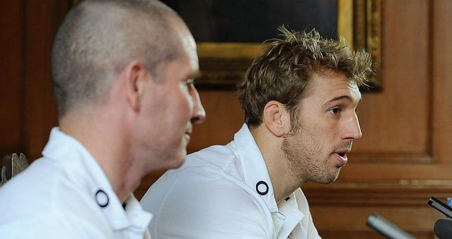 Stuart Lancaster has offered his support to captain Chris Robshaw