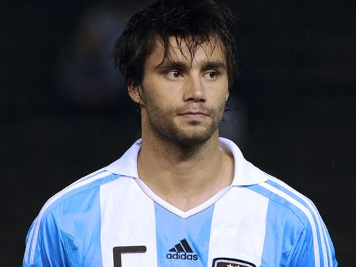 Claudio Yacob: Completes West Brom move