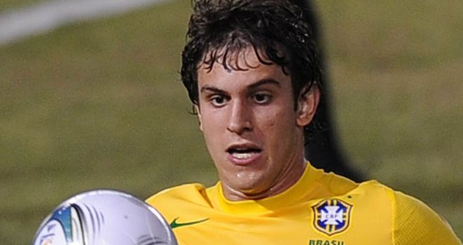 Bruno Uvini: Defender joins Napoli from Sao Paulo