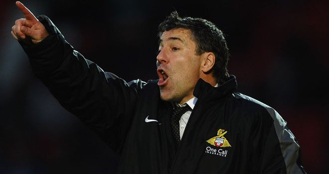 Dean Saunders: Doncaster manager feels he is close to signing a defender and a striker