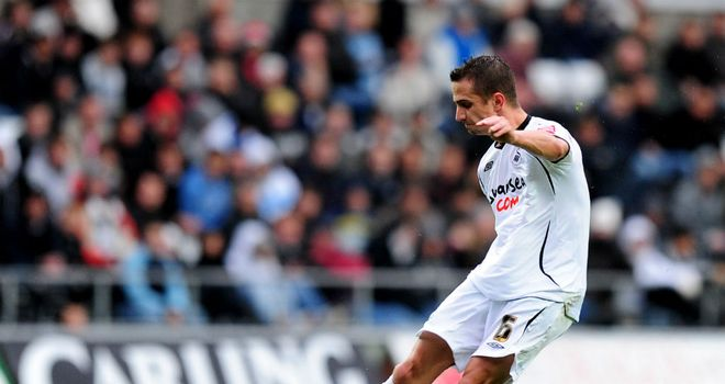 Ferrie Bodde: Former Swansea City midfielder is on the look-out for a new club