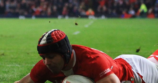 Leigh Halfpenny: Wales full-back hailed as 'absolutely sensational'