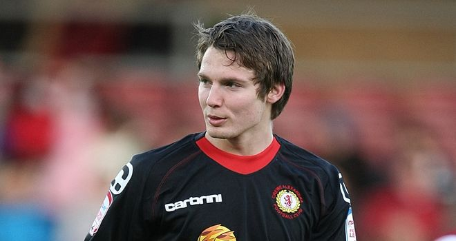 Nick Powell: Stayed with Crewe