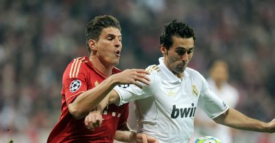 Alvaro Arbeloa (r): Won't give up in title fight