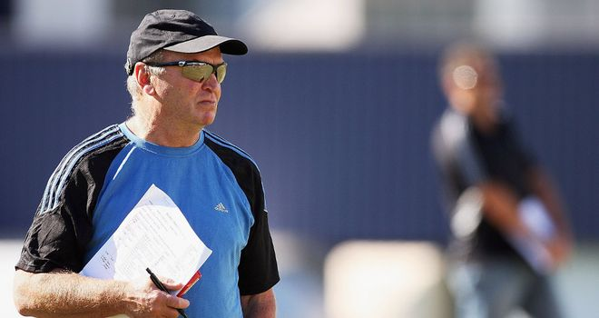 Graham Henry: Has agreed to advise the Blues next season