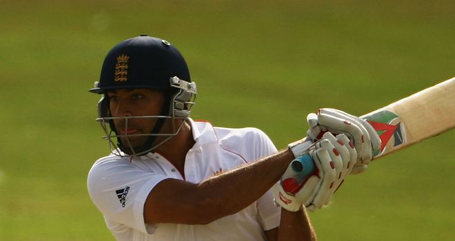 Hamza Riazuddin: New contract at Hampshire