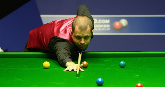 Barry Hawkins: Edged past Steve Davis in the opening match