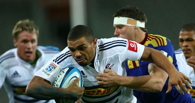 Bryan Habana bursts through a gap against Highlanders