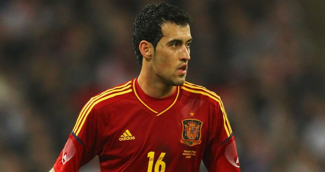 Segio Busquets: Midfielder supports Del Bosque's controversial formation