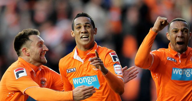 Tom Ince: Late penalty for Blackpool