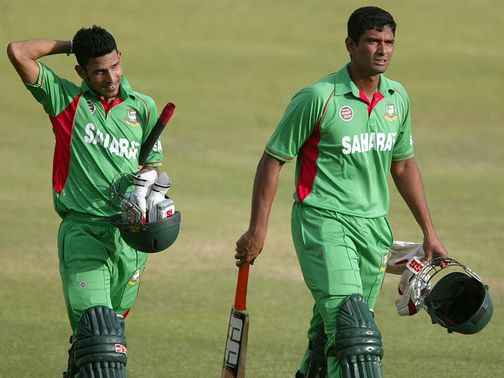 Hossain and Mahmudullah eased Bangladesh to victory
