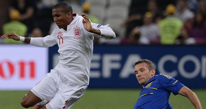 Ashley Young: England winger looks to be winning fitness battle to face Italy