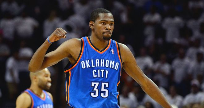 Kevin Durant: Scored 27 points in Monday's win over San Antonio