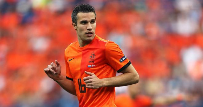 Robin van Persie: Put Holland in front when heading home a Wesley Sneijder corner