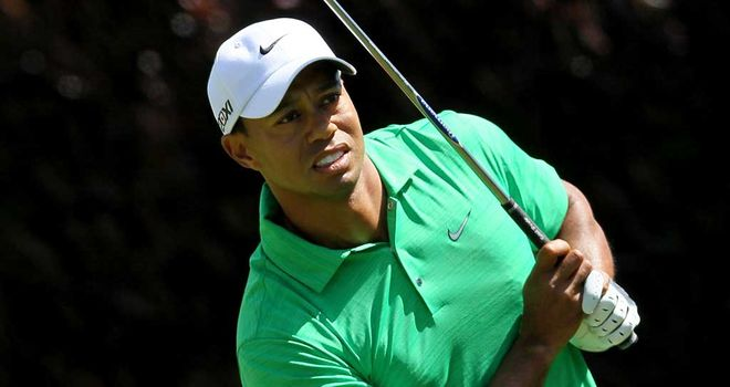 Woods: shot 75 on Saturday to fall five shots behind McDowell and Furyk